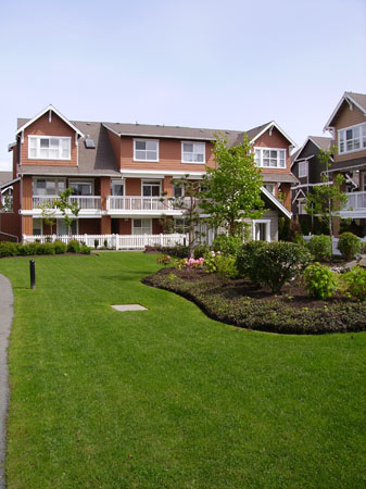 Freshly cut condo lawn by lubberts landscaping