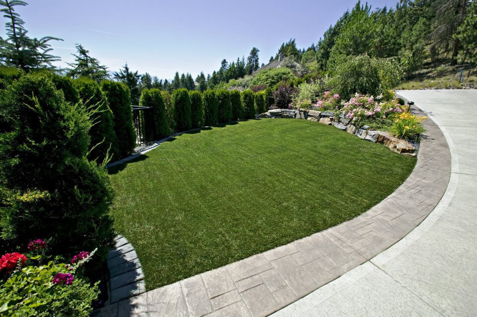 artifical lawn installation